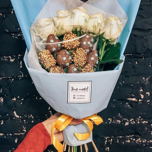 Букет из клубники Шоколад и розы Blue S: букеты цветов на заказ Flowwow