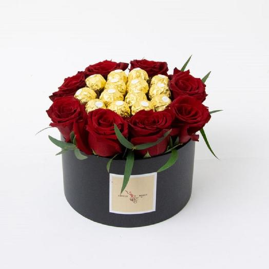 Sweet composition with red roses