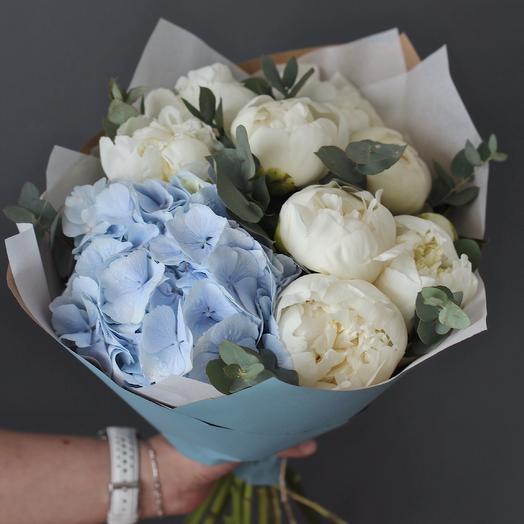 Летний букет из пионов и гортензии: букеты цветов на заказ Flowwow