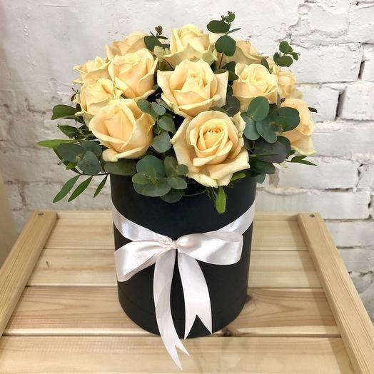15 кремовых роз в коробке: букеты цветов на заказ Flowwow