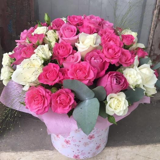 Шляпная коробка с розами