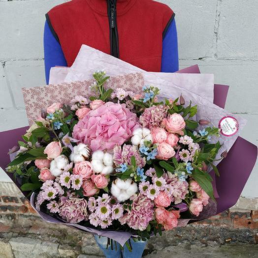 """Эксклюзивный букет с гортензией """"Люблю тебя"""": букеты цветов на заказ Flowwow"""