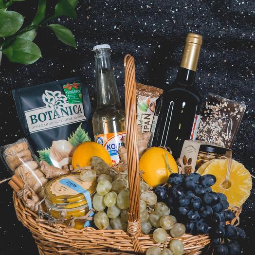 Корзина с фруктами и продуктами 2: букеты цветов на заказ Flowwow