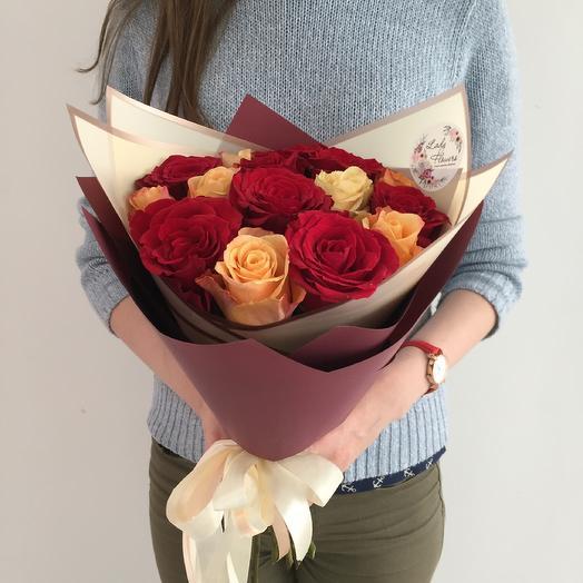 Lady Flowers - 15 роз микс в стильном оформлении