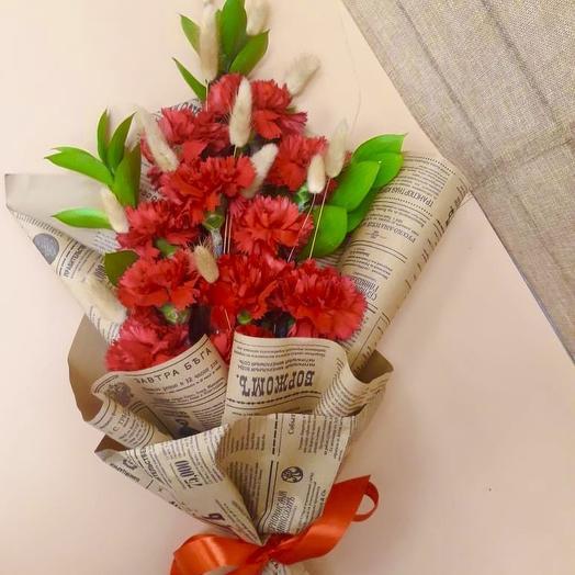 Букет из гвоздик в крафте: букеты цветов на заказ Flowwow