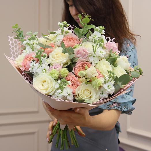 Букет цветов Крем-карамель