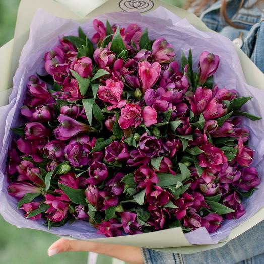 Букет из 23 фиолетовых альстромерий