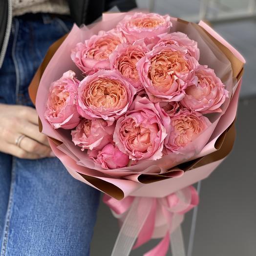 Букет из кустовой пионовидной розы Джульетта