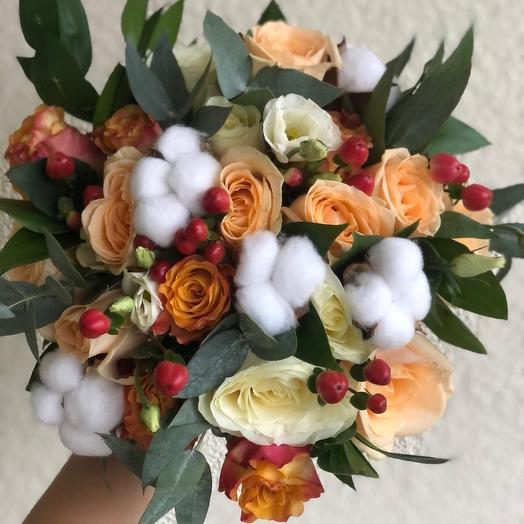 Букет невесты из роз и хлопка