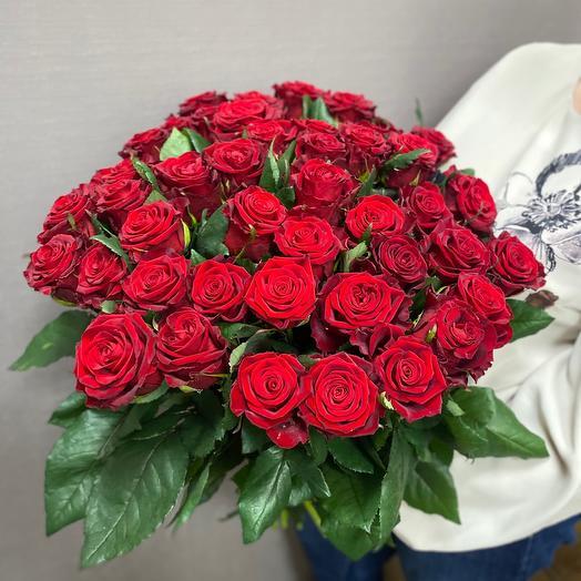 Букет из 51 бархатной красной розы