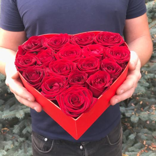 Rosalina 15 красных роз в коробке сердце