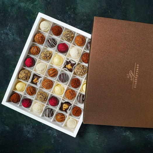 Cheese truffles (sweets), 42 pieces, assorted from 9 flavors