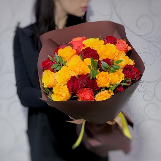 Микс 25 ароматных роз