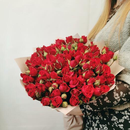 Букет Каберне 25 из красных кустовых роз