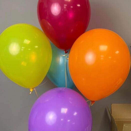 Каскад из воздушных шаров 5 шариков