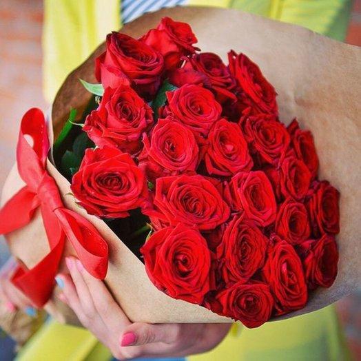 21 роза в крафт бумаге: букеты цветов на заказ Flowwow