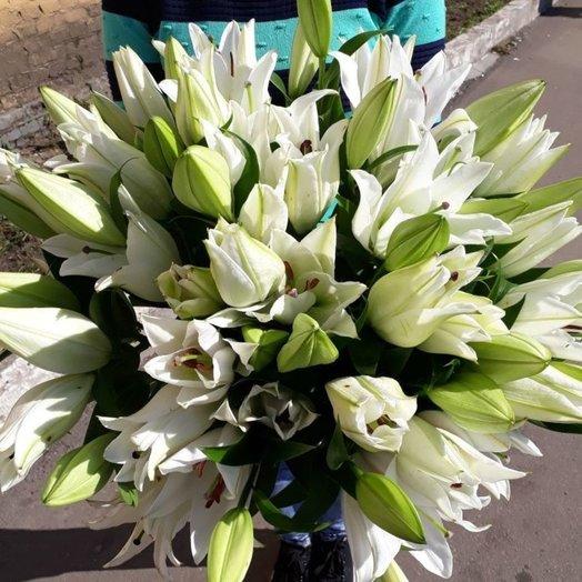 19 белая Лилия: букеты цветов на заказ Flowwow