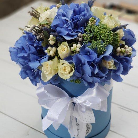 Коробочка из гортензий: букеты цветов на заказ Flowwow