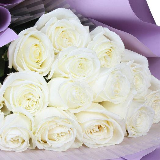 Букет из 15 белых эквадорских роз