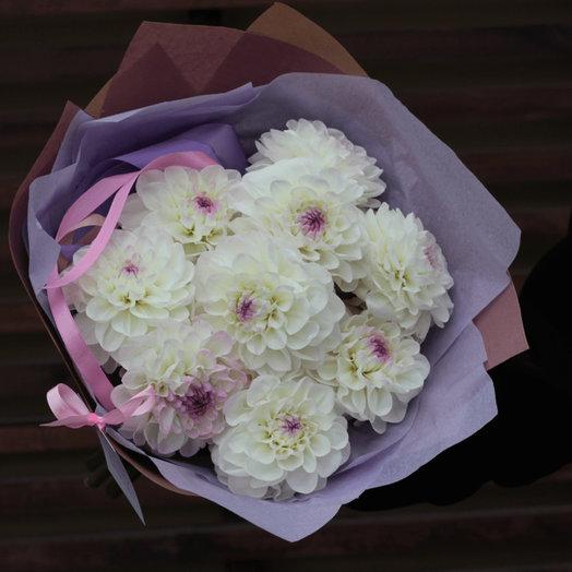 Уходящие георгины: букеты цветов на заказ Flowwow