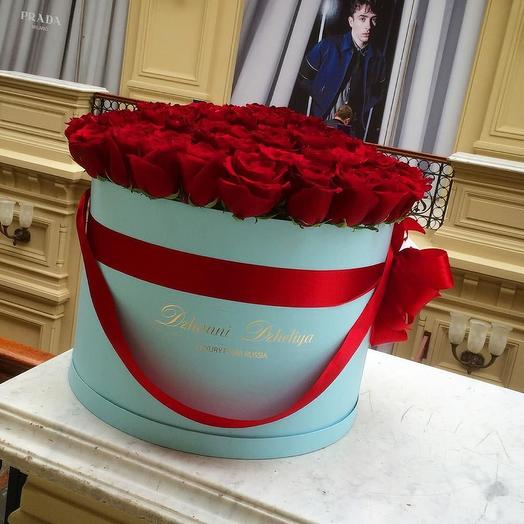 Красные розы-премиум в голубой коробке размера XL от 101 розы: букеты цветов на заказ Flowwow