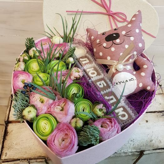 "Коробочка из ранункулюсов ""Люблю, скучаю"": букеты цветов на заказ Flowwow"