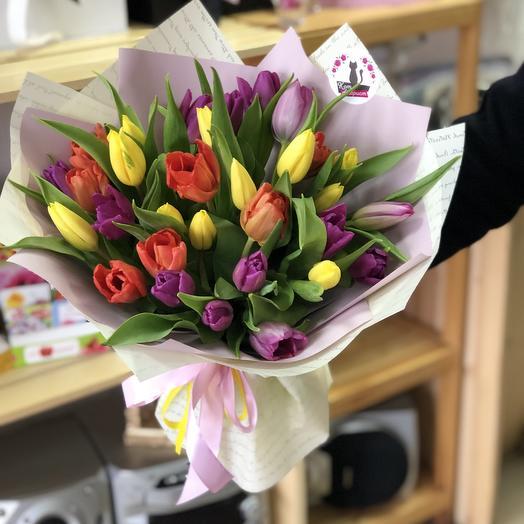 31 голландский тюльпан в дизайнерской Упаковке