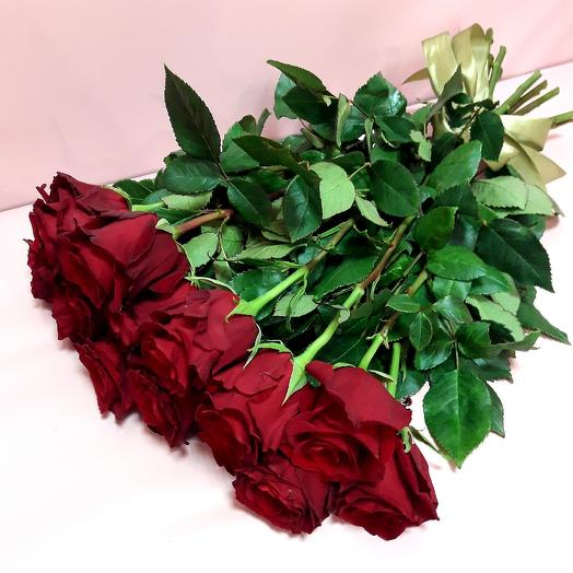 11 красных роз 80см под ленту: букеты цветов на заказ Flowwow