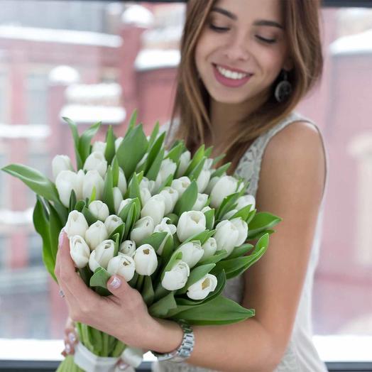 Букет из белых тбльпанов: букеты цветов на заказ Flowwow