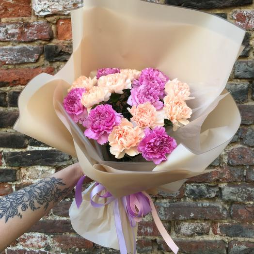 Нежная гвоздика: букеты цветов на заказ Flowwow