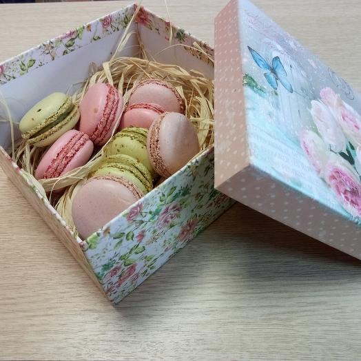 Макароны пирожные, ассорти, 9 шт: букеты цветов на заказ Flowwow