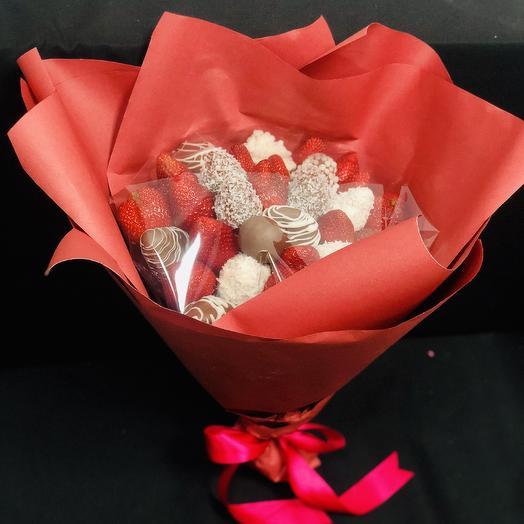 Букет «Клубничная тайна»: букеты цветов на заказ Flowwow