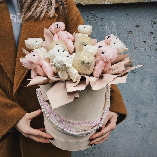 БАРХАТНАЯ КОРОБОЧКА С МИШКАМИ: букеты цветов на заказ Flowwow