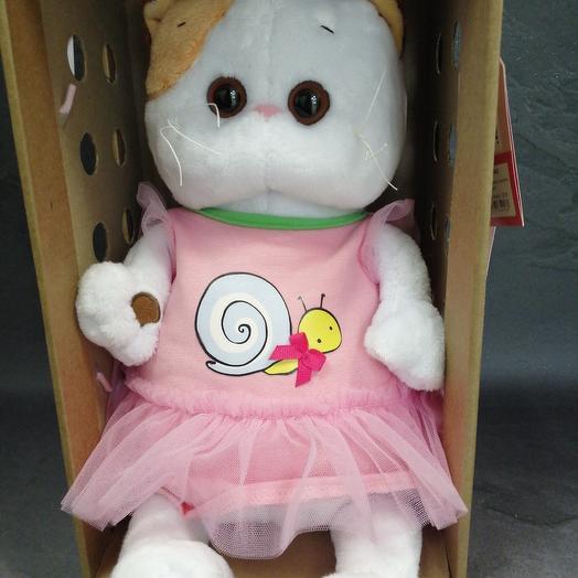 Li-Li in a dress