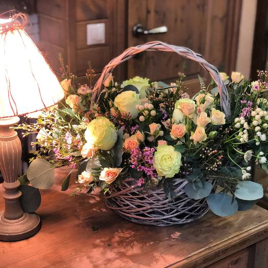 "Корзина из цветов ""Натали"""