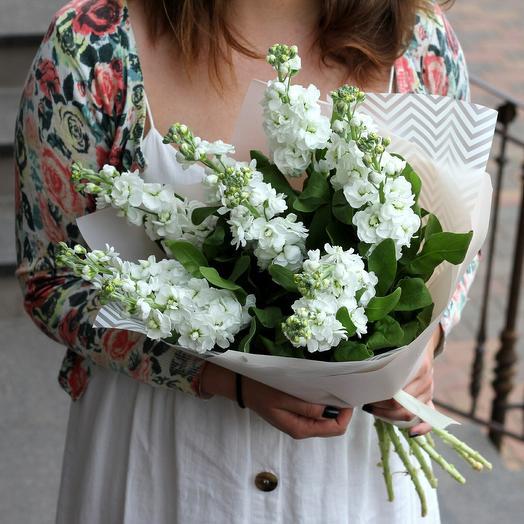 Белоснежная маттиола: букеты цветов на заказ Flowwow