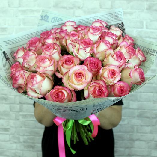 Букет 35 роз сорта Джумилия