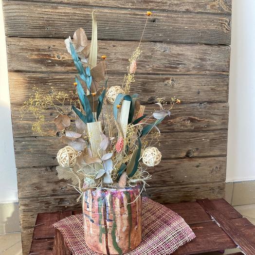 Композиция из сухоцветов в авторской керамике «Ротанговый Шар»