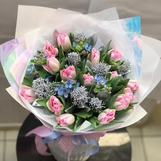 Нежный букет с тюльпанами