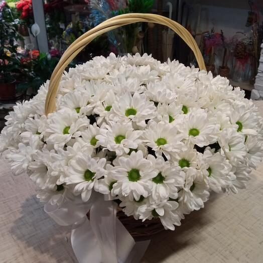 Корзина из хризантем