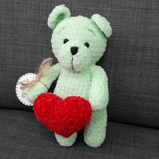 Мишка с сердцем ручная работа
