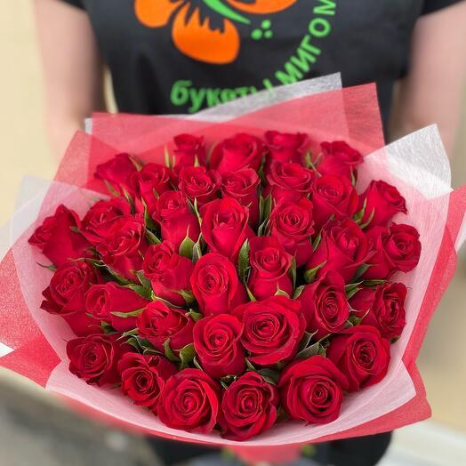 Букет из 35 красных роз Кения