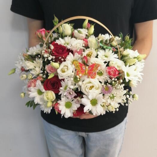 Корзина с цветами 🌸