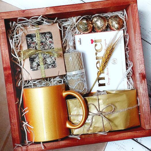 Подарочный набор с золотой кружкой