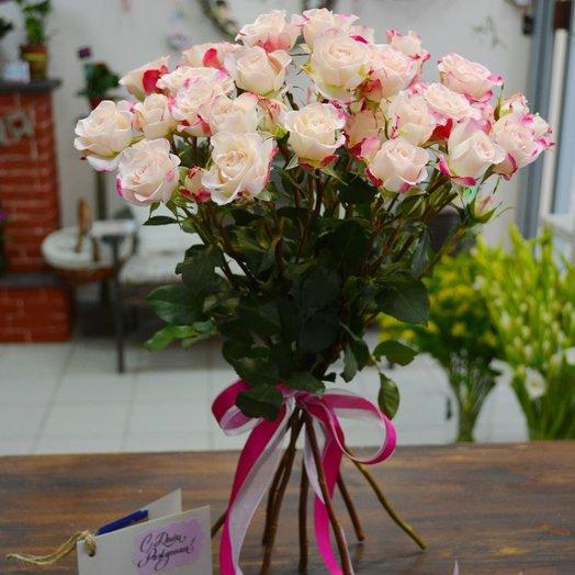 7 кустовых роз: букеты цветов на заказ Flowwow
