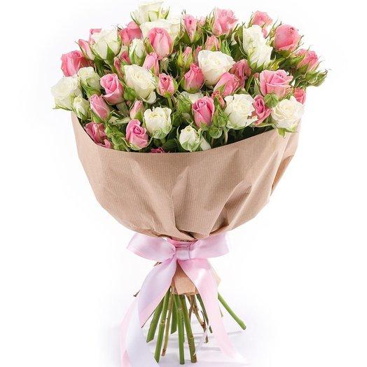 Букет из кустовых роз Малышка на миллион: букеты цветов на заказ Flowwow