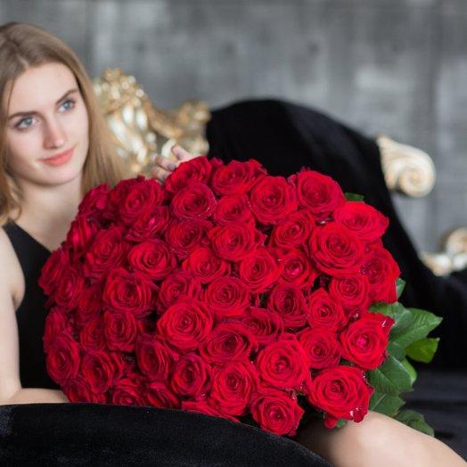 Восхитительный букет из 51 красной розы