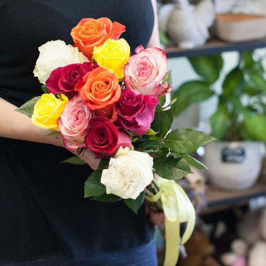 Букет из 11 разноцветных голландских роз 50 см: букеты цветов на заказ Flowwow