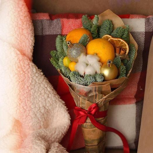 Новогодний букет: букеты цветов на заказ Flowwow
