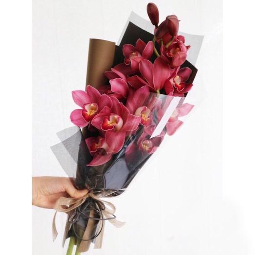 Прелестная орхидея в упаковке